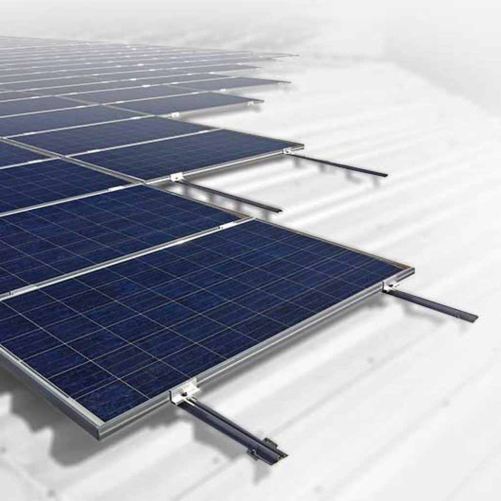 Estructuras para paneles solares en tejados inclinados, Solarstem