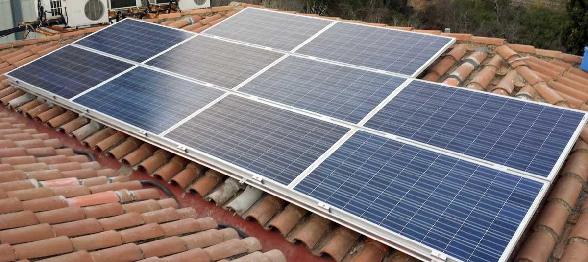 Instalacion fotolinera Esplugues Solarstem estructuras para placas solares