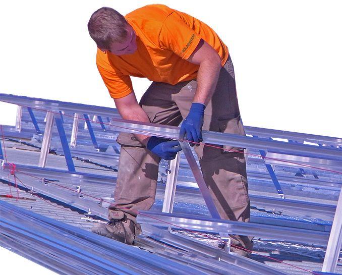 Montaje de estructuras y modulos fotovoltaicos profesionales cualificados